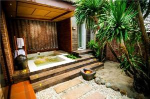 Palm_Garden_Beach_Resort_Hoi_An_jacuzzi