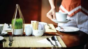palm_garden_beach_resort_spa_hoi_an_breakfast_serve