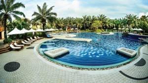 palm_garden_beach_resort_spa_hoi_an_pool