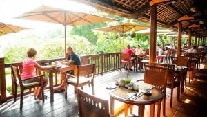 palm_garden_beach_resort_spa_hoi_an_terraceoutside