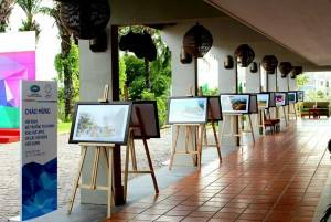 photo-exhibition-apec